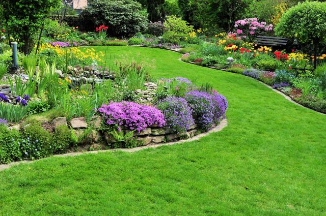 aranżacja dużego ogrodu, jak urządzić ogród, projekt ogrodu, kwiaty w ogrodzie, urządzanie ogrodu, duży ogród
