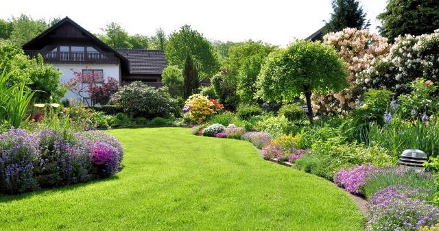 Architektura krajobrazu: Jak fajnie urządzić duży ogród?