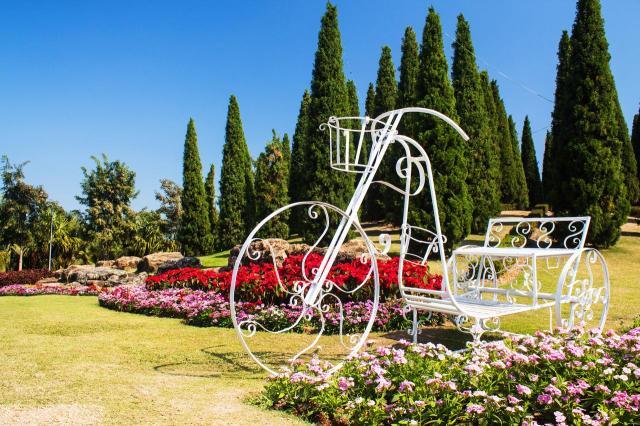 ogrodu przydomowe, ogrody duże, ogrody angielskie, ogród, kompozycje roślinne, projekty ogrodów, aranżacja ogrodów