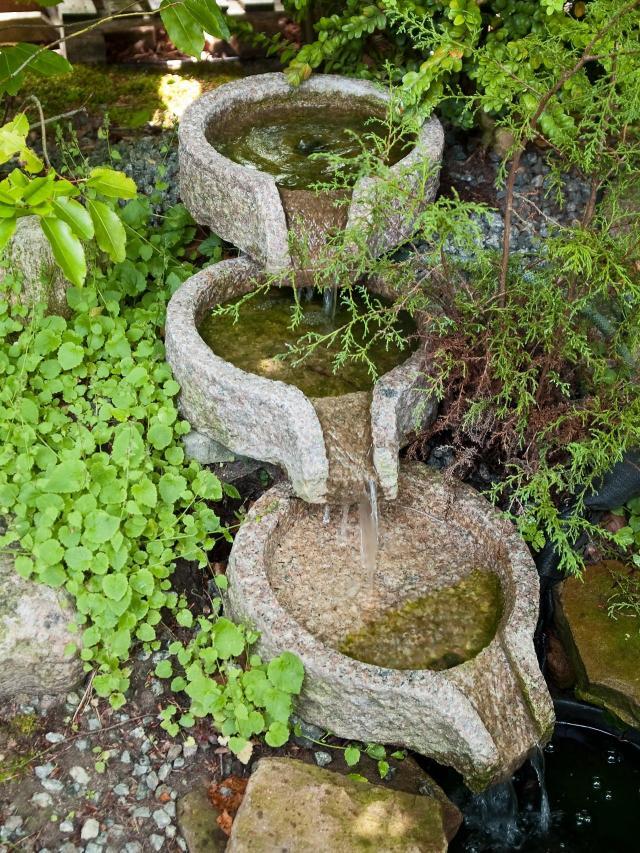 oczka wodne, woda w ogrodzie, kaskady, fontanny w ogrodzie, małe oczko wodne, dodatki do ogrodu, sztuczny potok